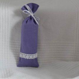 Levendula zsák csipkével díszítve lila színű zsákban